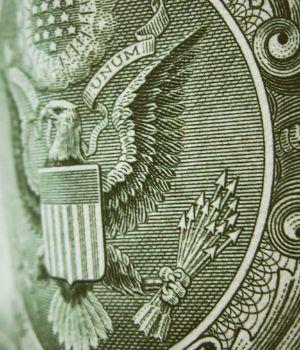 El dólar cayó un par de centavos