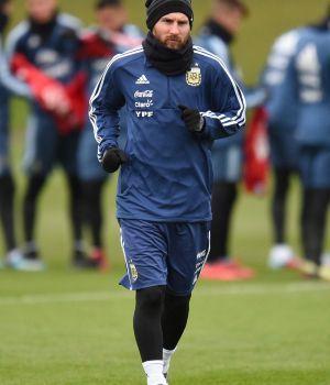 El espectacular gol que hizo Messi en la práctica