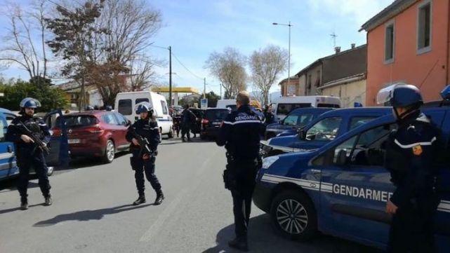 Policía abatió a loco que decía ser del ISIS y mató a tres personas en Francia