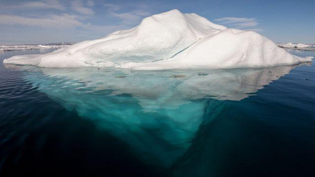 Iceberg gigante podría sepultar a un pueblo entero