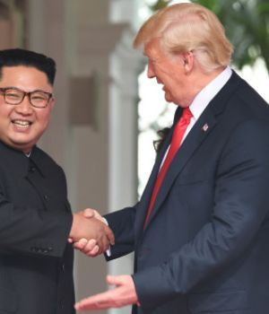 Trump y Jong-un se verán las caras en febrero