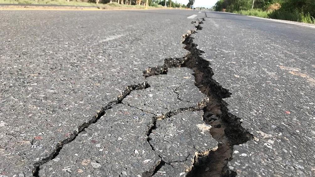 Tras el sismo, cierran un tramo de la Ruta 40 por grietas de 3 metros de profundidad