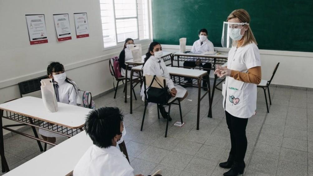 Implementarán en febrero programas de recuperación y revinculación escolar
