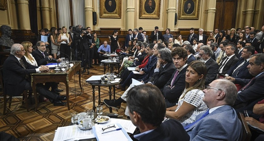Polémica entre Urribarri y senadores del PRO por impugnaciones a su pliego como embajador
