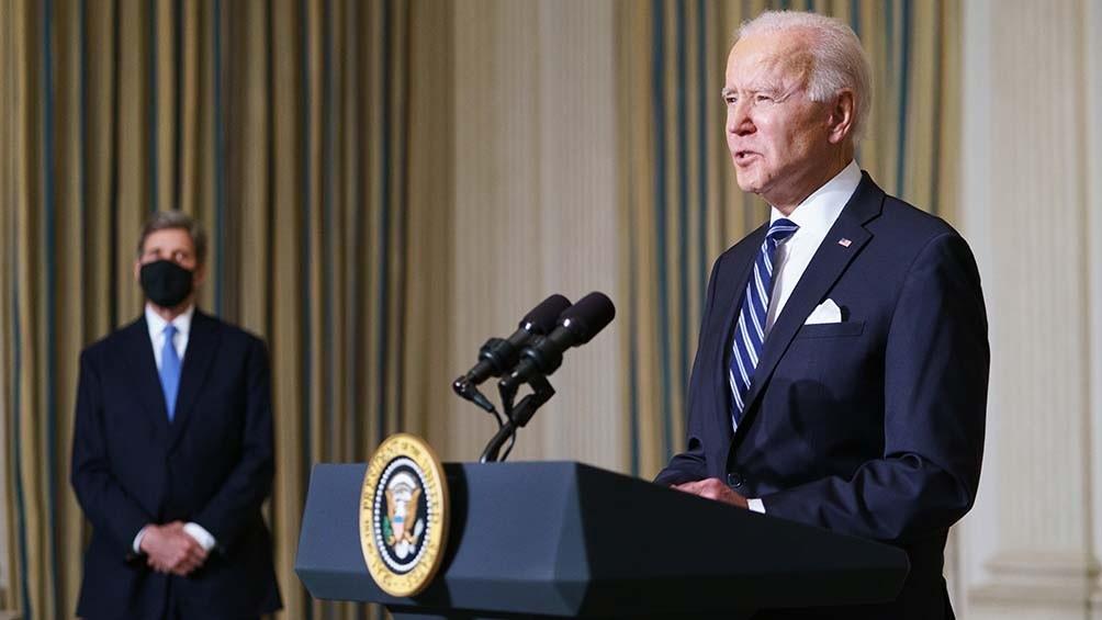 EEUU roza el medio millón de muertos y Biden hace un homenaje