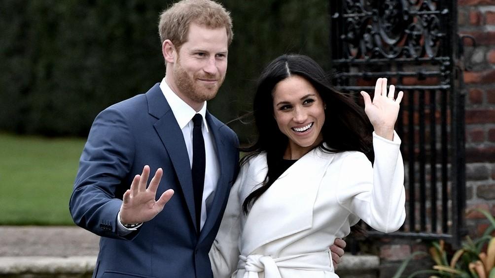 Meghan Markle acusó a la realeza británica de preocuparse por lo oscura que sería la piel de su hijo