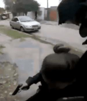 De película: impactante persecución policial para atrapar a motochorros