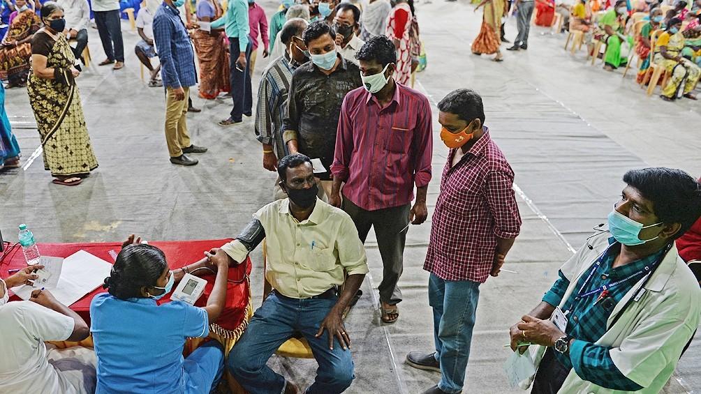 India cada vez más complicada mientras en Europa algunos relajan restricciones