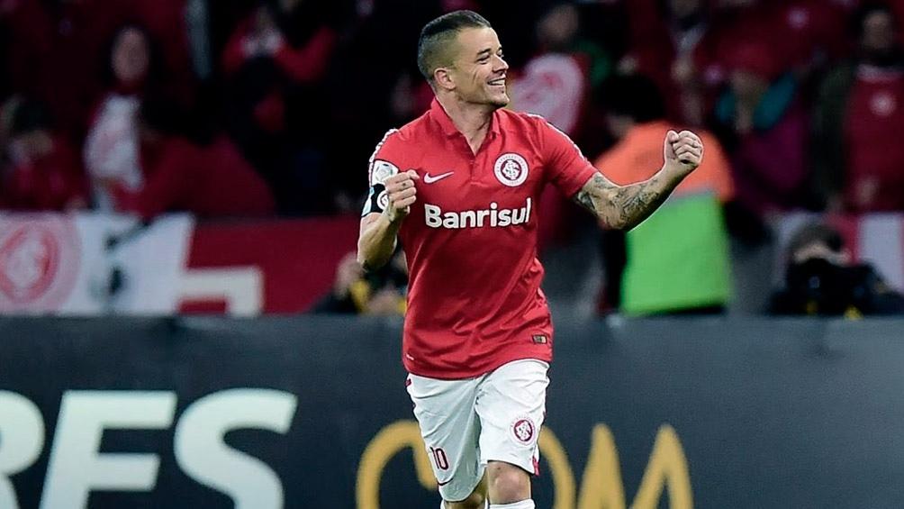 DAlessandro no piensa retirarse y desea seguir en Internacional de Brasil