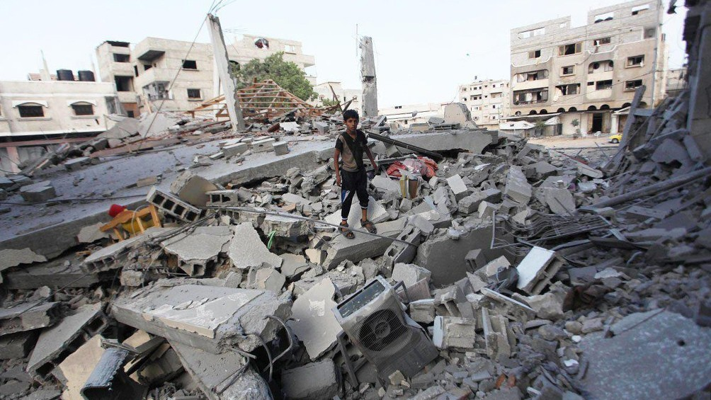 Israel lanzó sus ataques más fuertes en Gaza y afirmó que destruyó túneles de Hamas
