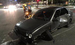 Auto atropelló moto conducida por conocido rugbier en Constitución
