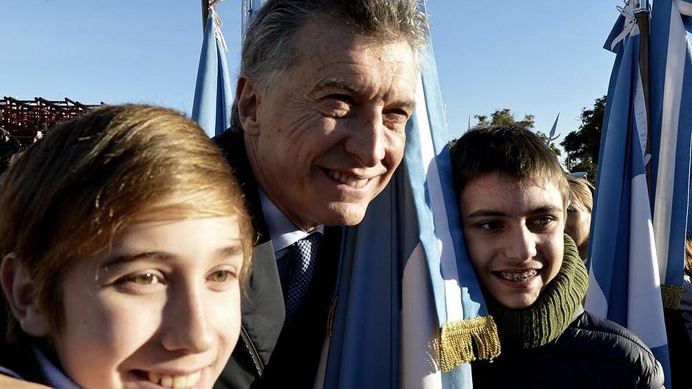 Macri encabeza en Rosario un acto por el Día de la Bandera