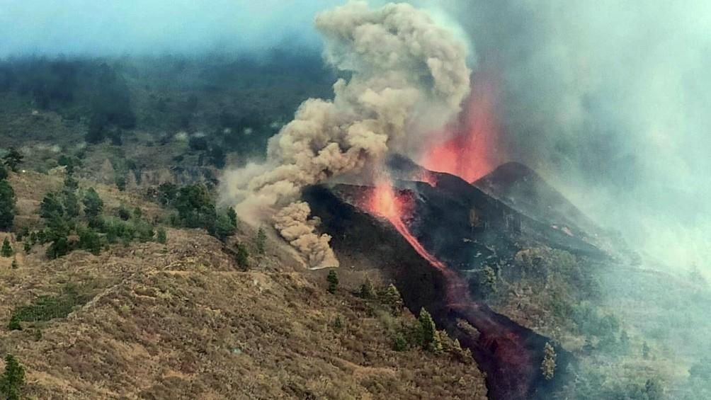 Llegan a seis mil los evacuados por la erupción del volcán Cumbre Vieja