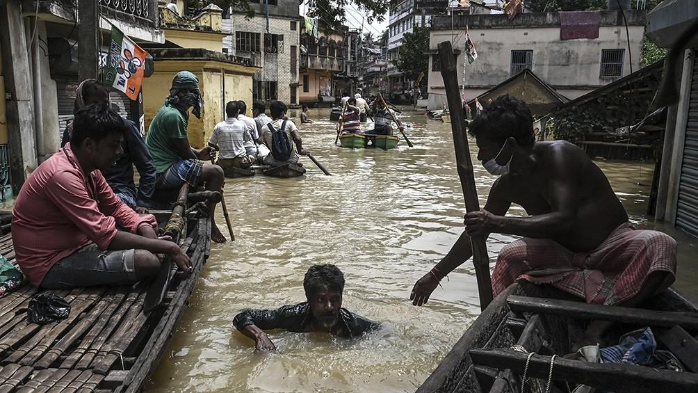 Al menos 41 muertos por inundaciones y deslizamientos de tierra