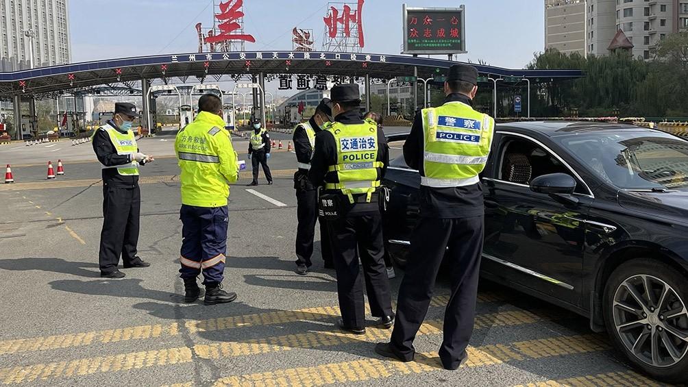 China confinó una ciudad de 4 millones de habitantes ante un brote de coronavirus